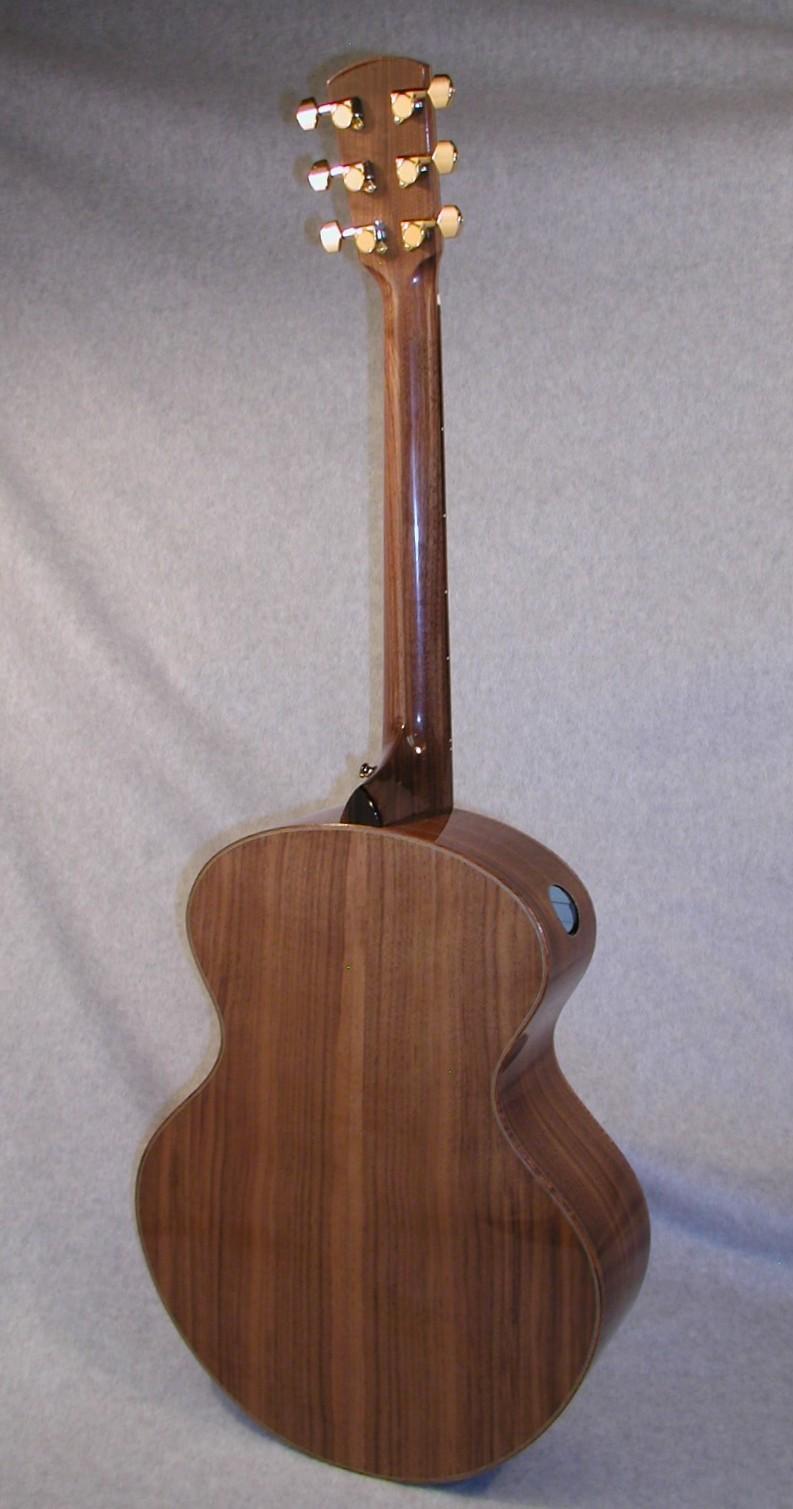 MinstrelB10-Crop-Guitar-Luthier-LuthierDB-Image-4